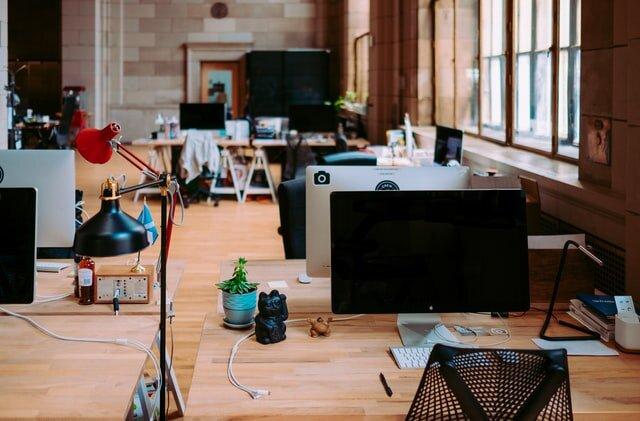 Mitarbeiterbindung in Zeiten von Home-Office und Desksharing?